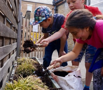 Green-fingered Ambler families join forces for Gardening Day